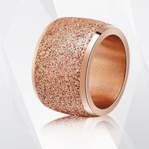 Jewelry - Rose gold colored stainless steel simple band ring